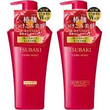 Bộ đôi dầu gội Tsubaki đỏ – shiseido tsubaki extra moist Nhà sản xuất: shiseido, nhật bản Giá: 350.000 vnd, giao hàng tận nơi Bộ dầu gội Tsubaki Extra Moist gồm 02 chai 1 chai dầu gội 500ml 1 chai dầu xả 500ml bo-dau-goi-tsubaki-shiseido-mau-do-extra-moist-mau-moi-2015 bộ đôi dầu gội Tsubaki đỏ mẫu mới Dầu gội Tsubaki trắng – Shiseido Tsubaki Damage Care Dầu gội Tsubaki trắng chuyên dành phục hồi tóc hư tổn, tóc khô, chẻ ngọn đặc biệt là đối với các loại tóc dùng nhiều hóa chất. Sản phẩm ngoài công dụng phục hồi tóc còn có tác dụng bảo vệ tóc khỏi tác hại của tia cực tím. 03 bước phục hồi tóc hư tổn với Tsubaki trắng như sau: 1. Gội sạch tóc bằng Tsubaki Tsubaki Damage Care. 2. Xả sạch với nước, chăm sóc tóc bằng dầu xả Tsubaki conditioner. 3. Tuần một lần dùng ủ dưỡng cho tóc Bộ đôi dầu gội Tsubaki trắng shiseido damage care dành cho tóc hư tổn: Nhà sản xuất: shiseido, nhật bản Giá: 350.000 vnd, giao hàng tận nơi Bộ dầu gội Tsubaki trắng gồm có 02 chai 1 chai dầu gội 550ml 1 chai dầu xả 550ml dau goi tsubaki mau trang mau moi 2015 Dầu gội Tsubaki màu trắng mẫu mới 2015 Bộ ba dầu gội Tsubaki trắng shiseido damage care dành cho tóc hư tổn: Nhà sản xuất: shiseido, nhật bản Giá: 420.000 vnd, giao hàng tận nơi Bộ dầu gội Tsubaki trắng gồm có 03 chai 1 chai dầu gội 550ml 1 chai dầu xả 550ml 1 chai ủ dưỡng 200g Dầu gội Tsubaki vàng – shiseido Tsubaki Head Spa (dành cho các spa) Tsubaki màu vàng giúp làm sạch tóc, nâng niu và bảo vệ máy tóc của bạn, giúp bạn có những giờ phút thư giãn cùng máy tóc như tại các spa. Thành phần dầu gội Tsubaki vàng: Bạch trà, Hoa Hồng, Cúc Vạn Thọ và Quế 03 bước thư giản tại nhà với tsubaki màu vàng 1. Gội sạch tóc bằng Tsubaki Head spa shampoo. 2. Xả sạch với nước. Gội lần 2 với Tsubaki Headspa Extra Cleansing Essential oil, tác dụng làm sạch và thư giãn sâu (tuần 1 lần) 3. Xả sạch với nước. Dưỡng tóc bằng Tsubaki Headspa conditioner. (*) Tuần một lần dùng ủ dưỡng với mặt nạ cho tóc Tsubaki Headspa Massage Spa Mask with Essential oil. Bộ đôi
