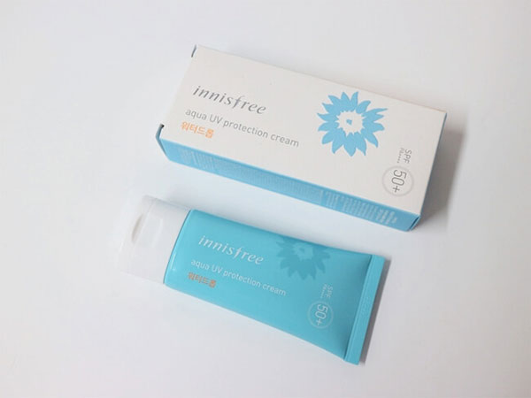 kem-chong-nang-innisfree-aqua-water-drop-sunscreen-spf50-50ml-tach-nuoc-1