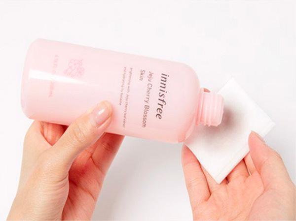 nuoc-hoa-hong-innisfree-jeju-cherry-blossom-skin-200ml-1