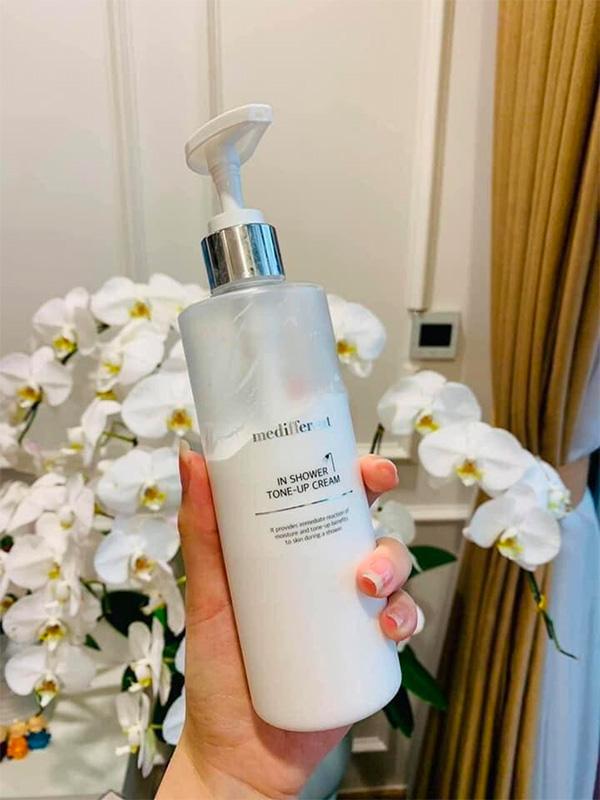 sua-tam-truyen-trang-medifferent-in-shower-tone-up-cream-300ml-1