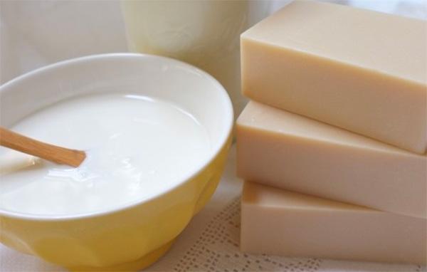 xa-phong-cam-gao-dynary-rice-milk-soap-thai-lan-banh-vuong-1